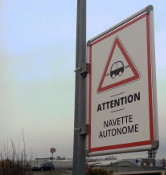 Attention navette autonome
